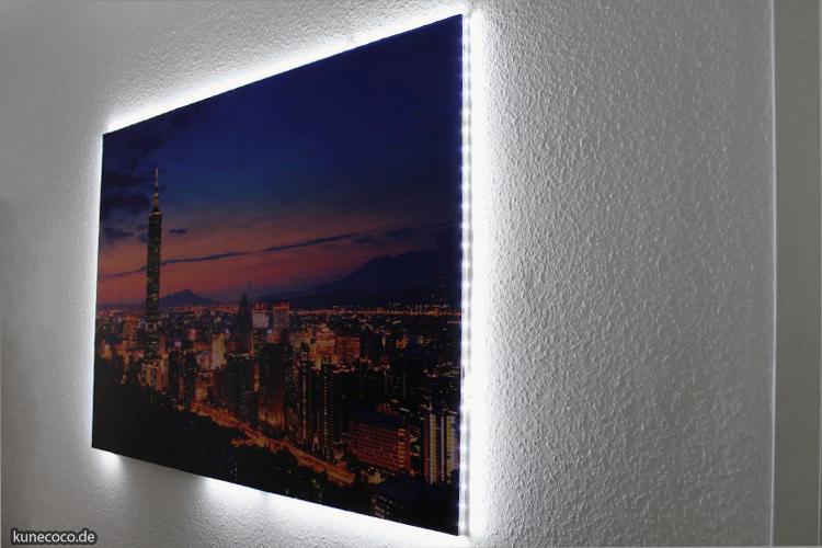 DIY ~ Poster auf Keilrahmen ziehen und mit LEDs beleuchten