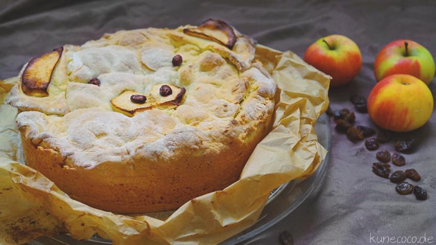 KuneCoco • Gedeckter Apfelkuchen mit Schweinsgesicht