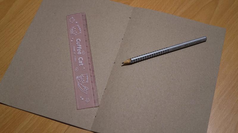 KuneCoco • DIY • Notizbücher selbermachen • Löcher markieren