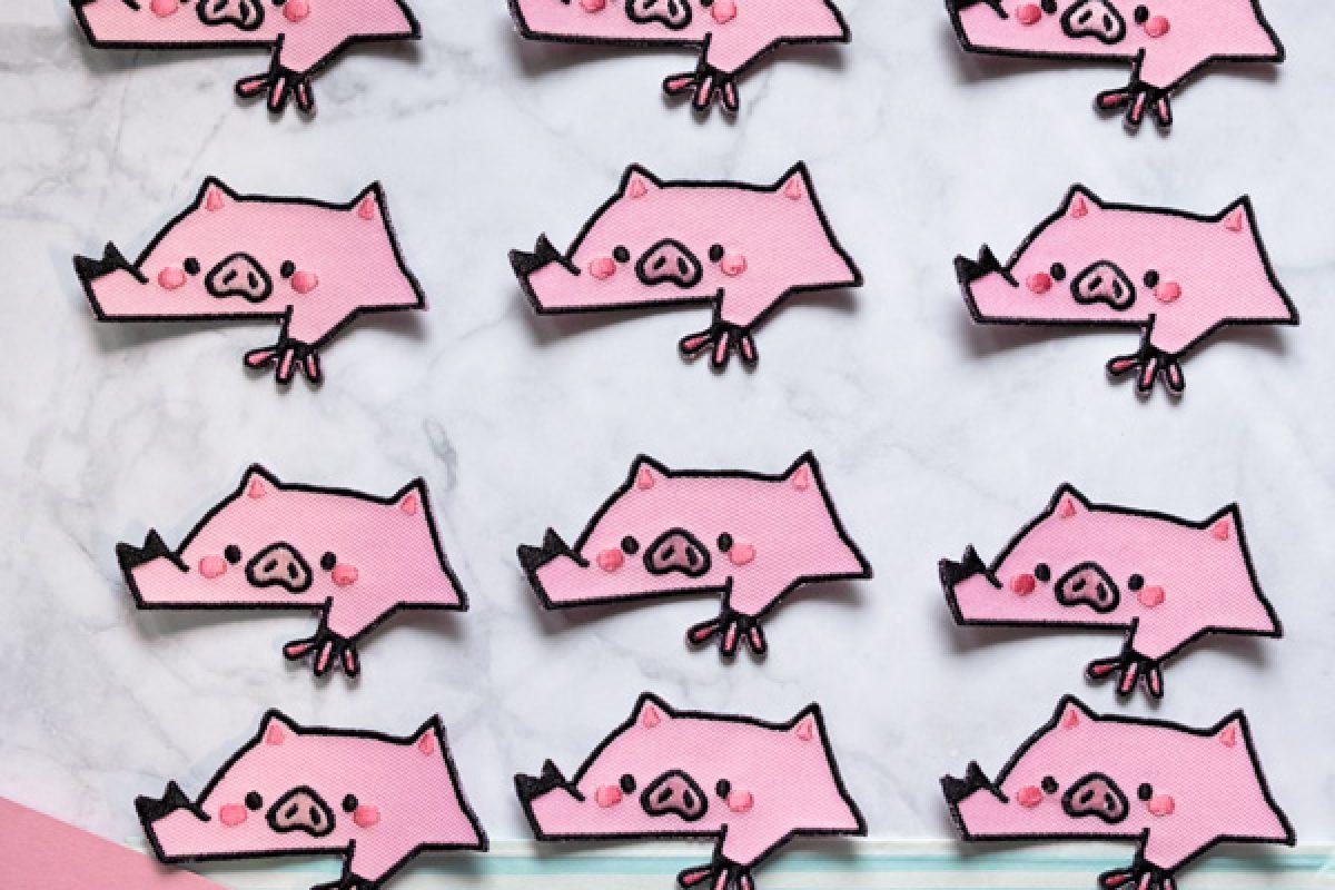 "KuneCoco Shop • Patch ""Bongo Pig"""